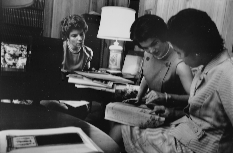 Jackie Kennedy Redecorates the White House 3