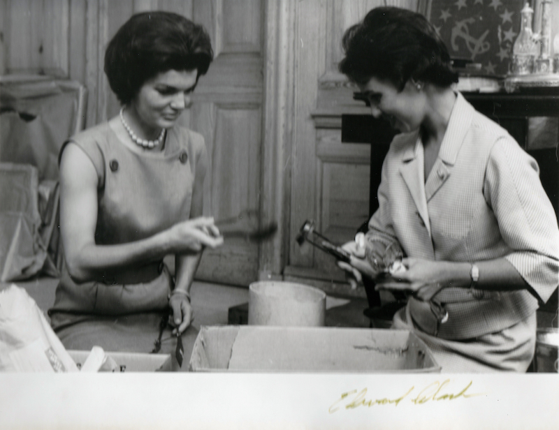 Jackie Kennedy Redecorates the White House 9