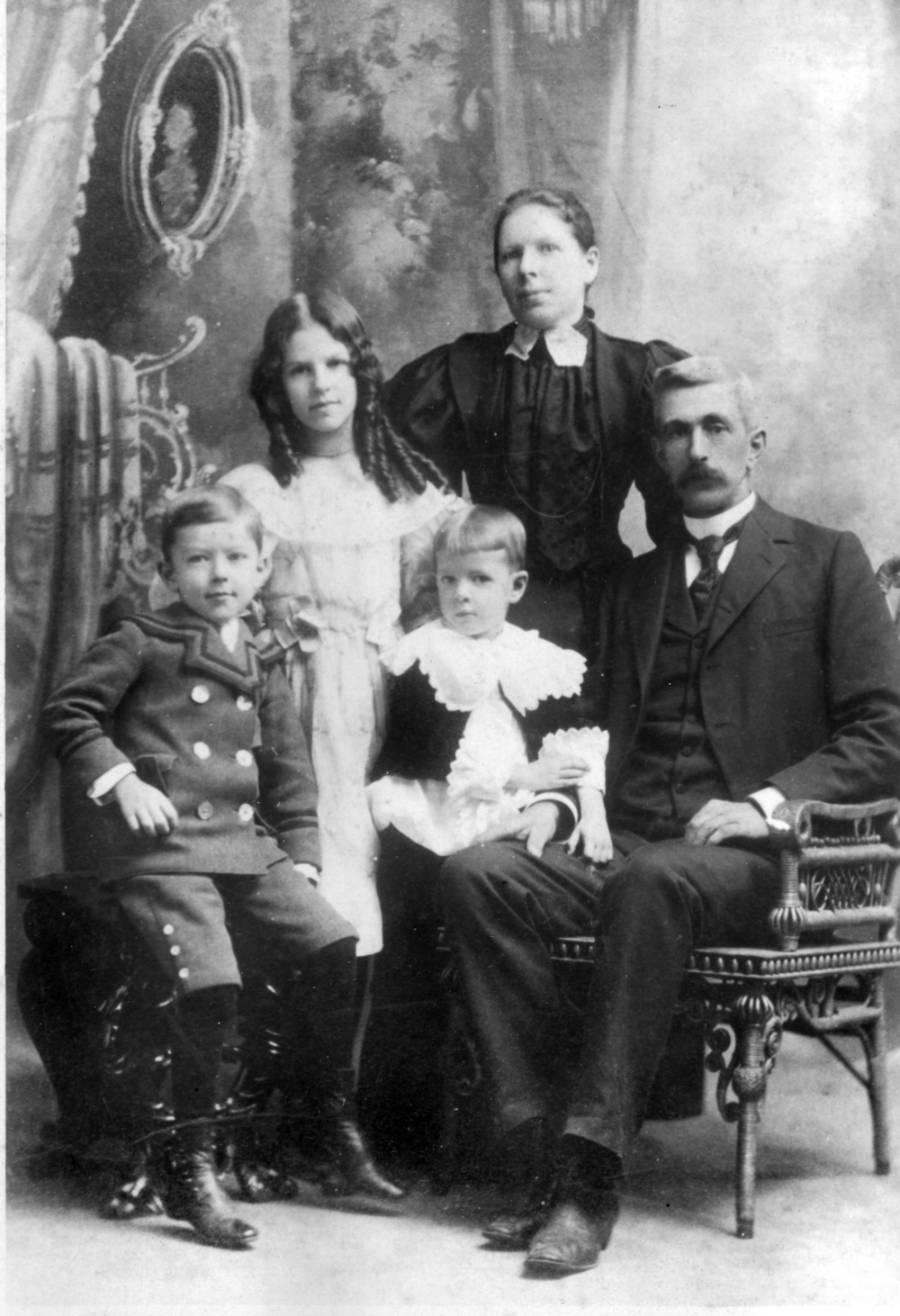 Paul, Marcia, Philip, Deborah and William Furnas in 1896