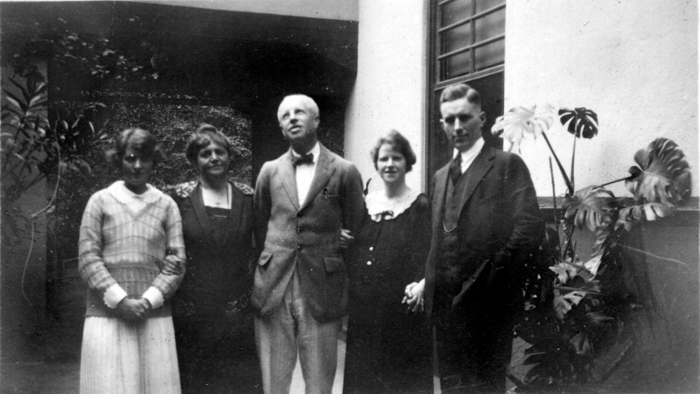 """The Doxology"" at Swarthmore, October 1924. Helen, Caroline, William Walter, a pregnant Betty, and Paul"