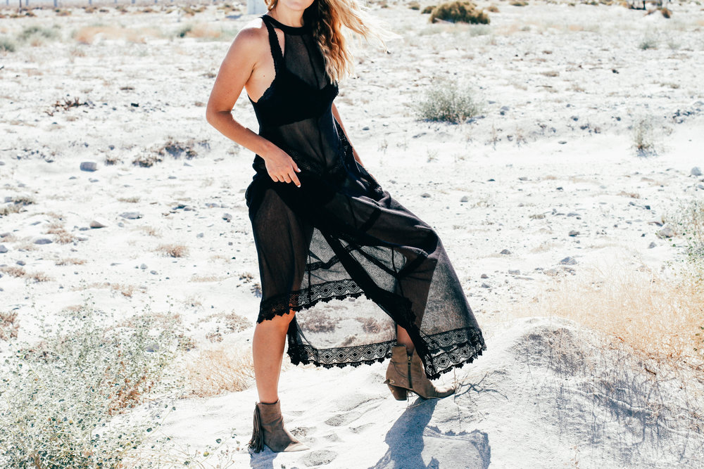 The Style Suace boho chic Free People black lace dress Palm Springs Desert OOTD Fashion Blogger