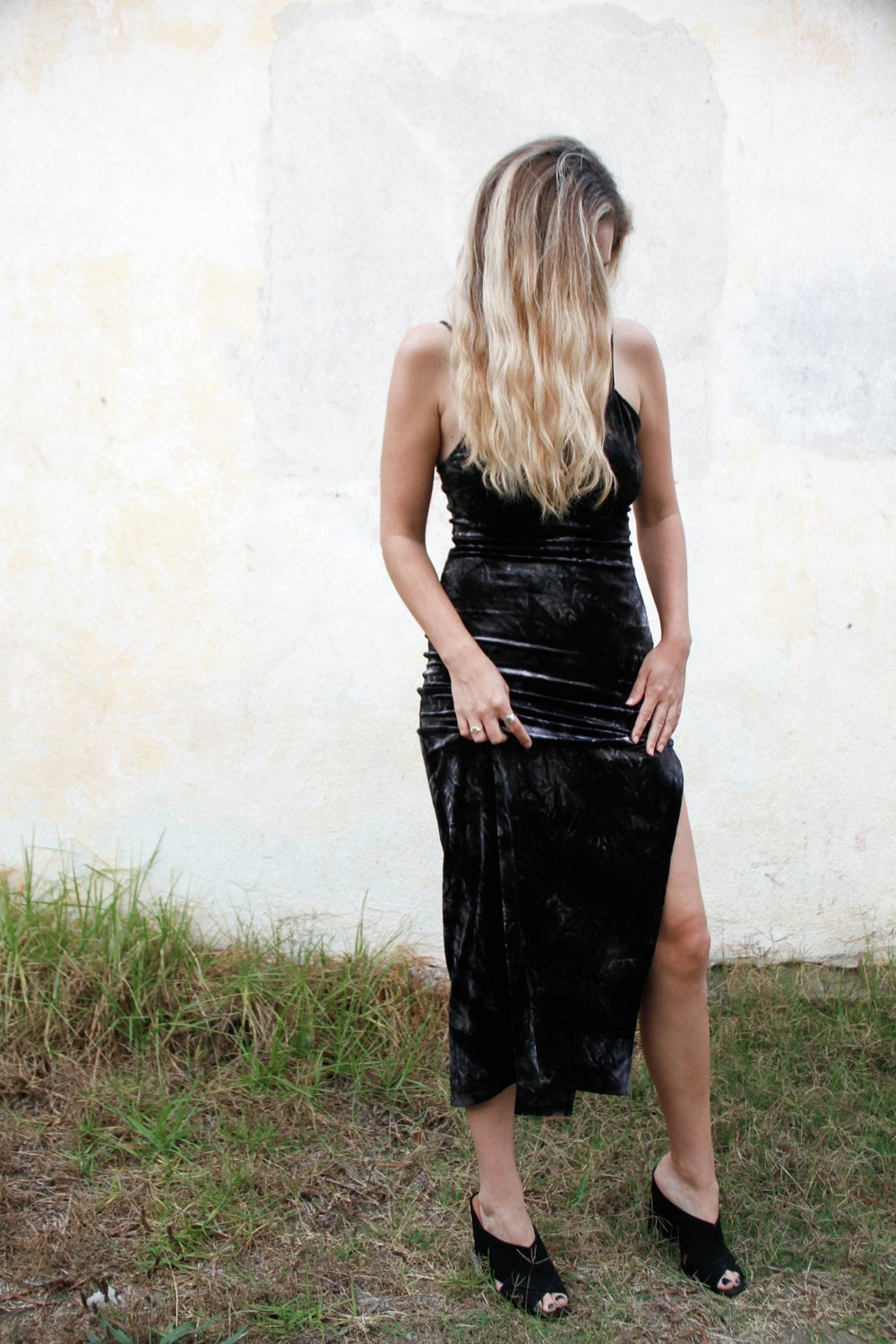 the style sauce black velvet dress