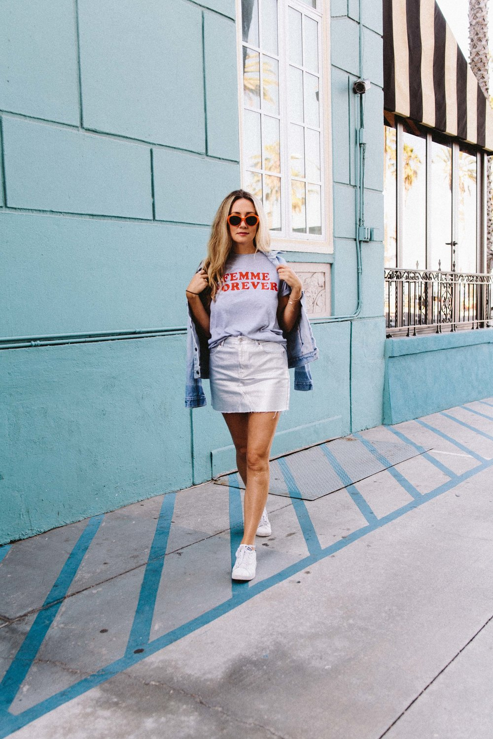 The style sauce fashion blog Los Angeles // street style // metallic skirt