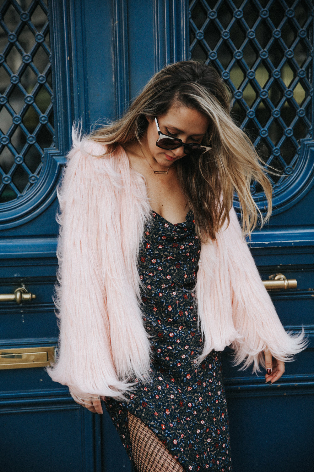 The Style Sauce pink fur jacket street style fashion blogger style Paris style // #streetstyle #fashionblog #fashionbloggerstyle #pinkfur #furjacket