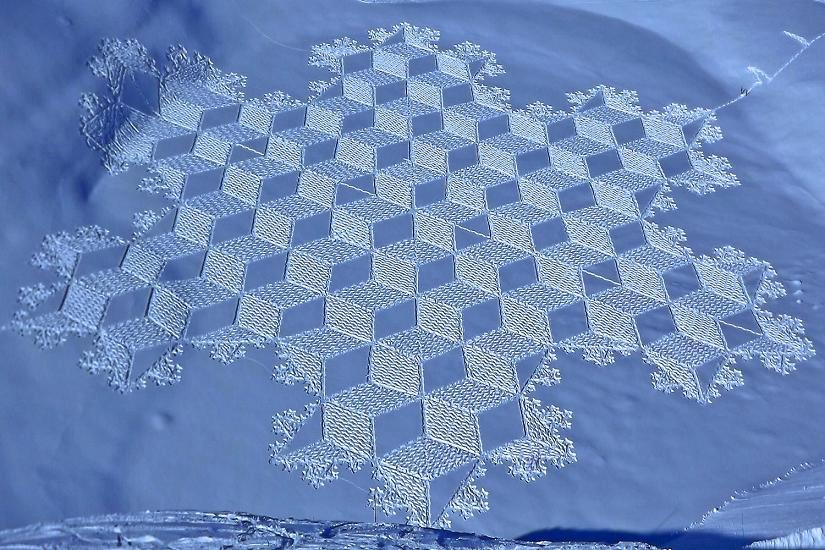 Through mindful walking, Beck is able to achieve feats that astound our eyes. As both an homage to our environment and a feat of human perseverance, Beck's snow art reveals the beauty we're all capable of creating when we work in tandem with nature. Image source: Simon Beck's Snow Art.