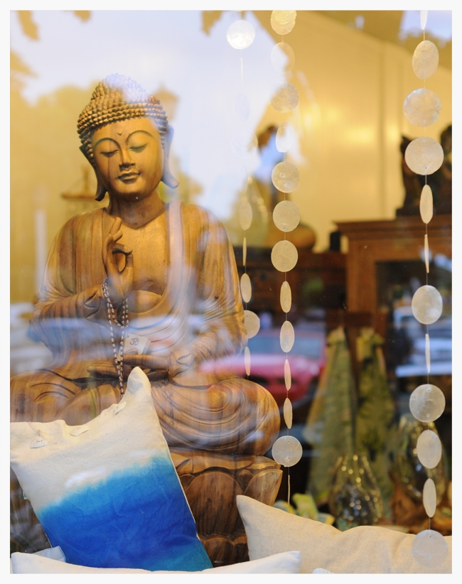 Shop Window at HaleZen, Maui, Hawaii 2014