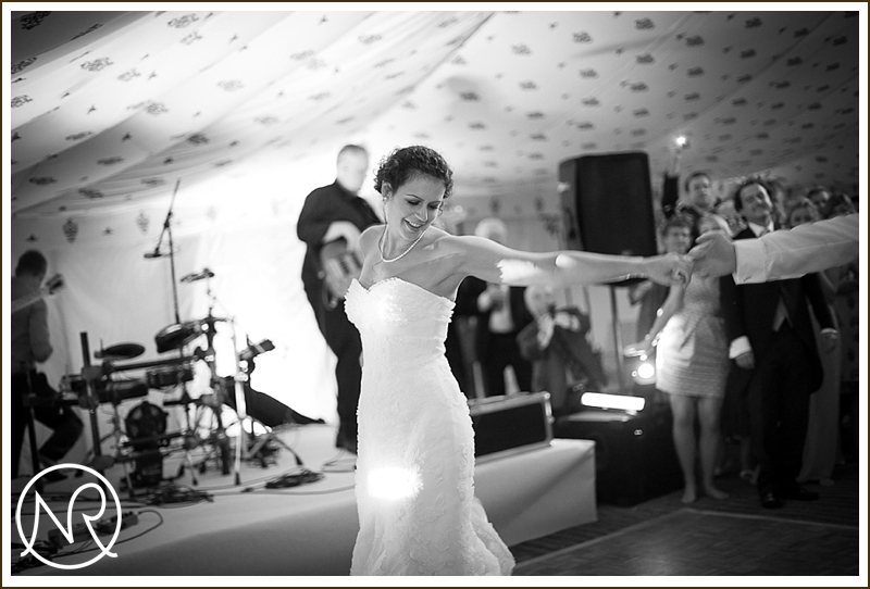 Capturing wedding moments in pictures
