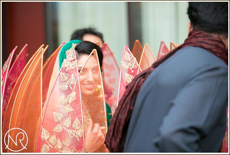 Asian wedding photographer Mehndi