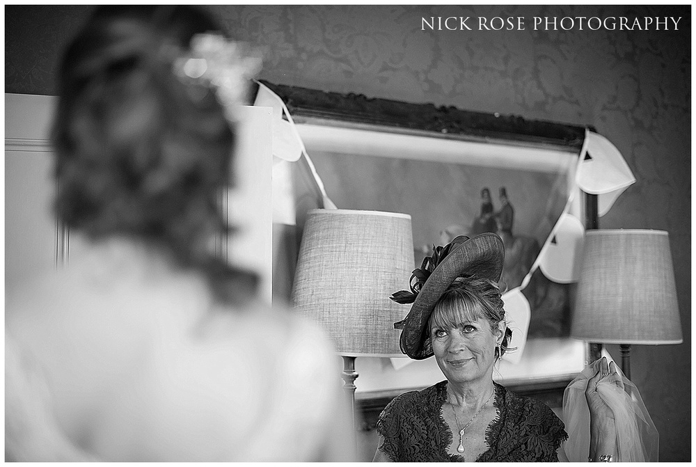Hampton Court Palace Wedding Photography_0019.jpg
