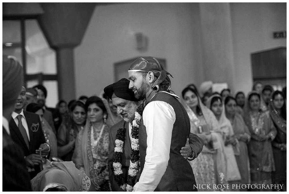 Sri Guru Singh Sabha Gurdwara Sikh Wedding Photography_0022.jpg