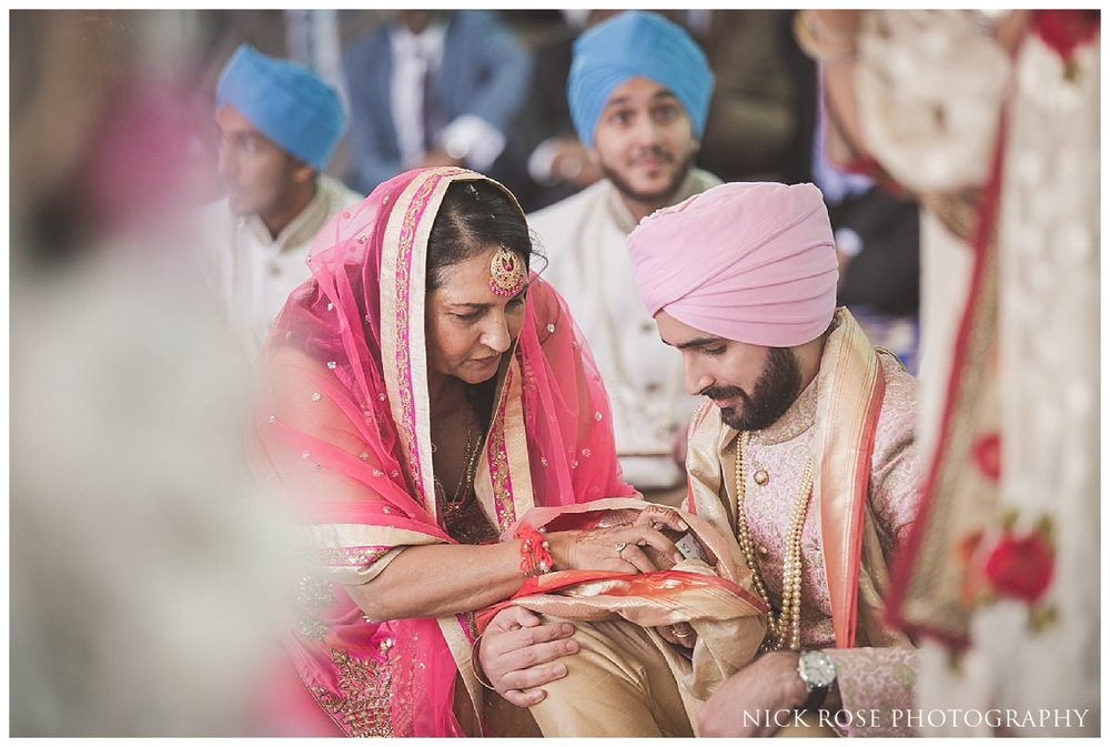 Sri Guru Singh Sabha Gurdwara Sikh Wedding Photography_0029.jpg