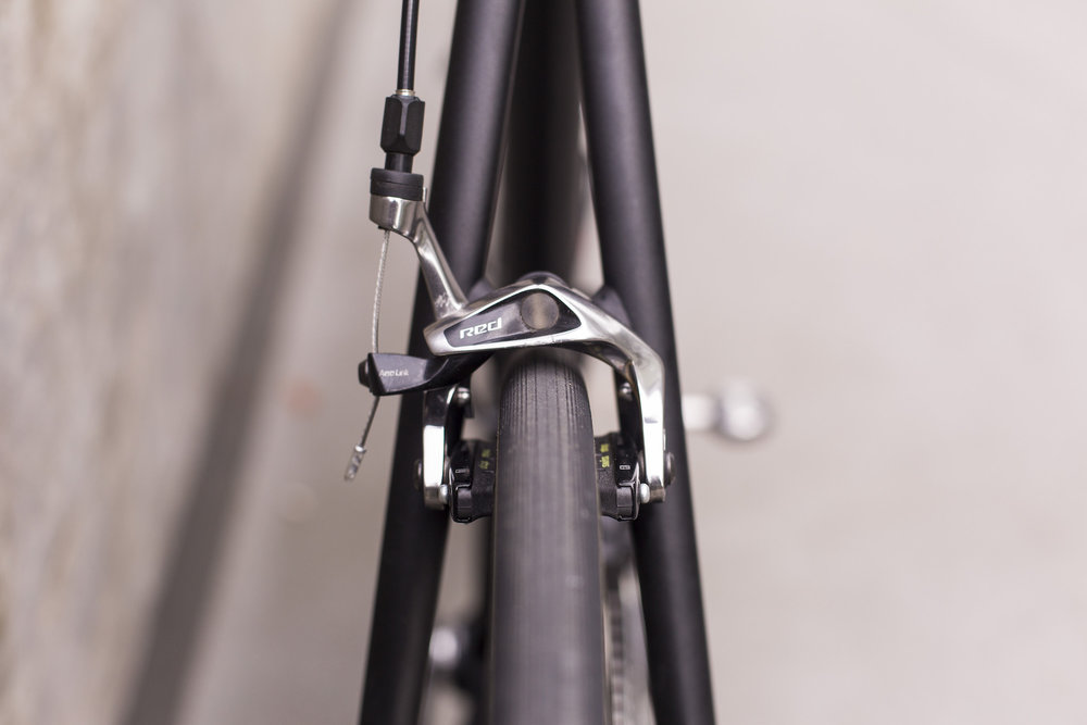 seabass-cycles-bikes-parts-instore-2-april-2019-cannondale-grey-wireless-4345.jpg