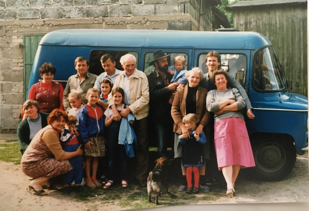 The whole family in front of the van that picked us up from Poznan