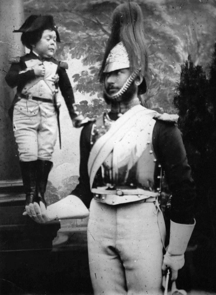 tom thumb as napolean.jpg