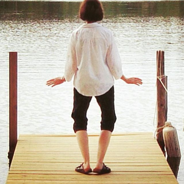 Bird Flaps its Wings at water's edge with longtime teacher @mverickson ... #tcc #joy #mindful #mo#taichichih #tcc #joy #mindful #movingmeditation #justinstone #minimalisim #taichi #qigong #movement #meditation #mindbody #grounded #health #gratitude #happylife