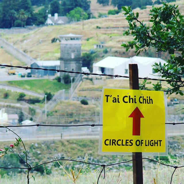 T'ai Chi Chih is taught to inmates at Folsom Prison in California. Once annually there is a 'Circle of Light' celebratory practice inside and outside the prison. ... #taichichih #tcc #joy #mindful #movingmeditation #justinstone #minimalisim #taichi #qigong #movement #meditation #mindbody #grounded #health #gratitude #happylife
