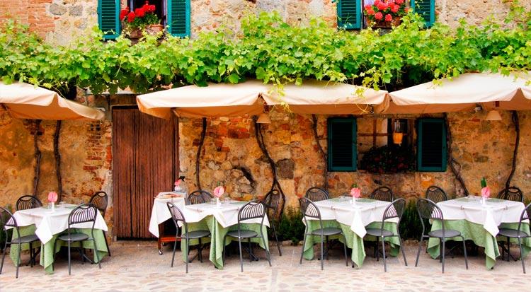 italian_courtyard