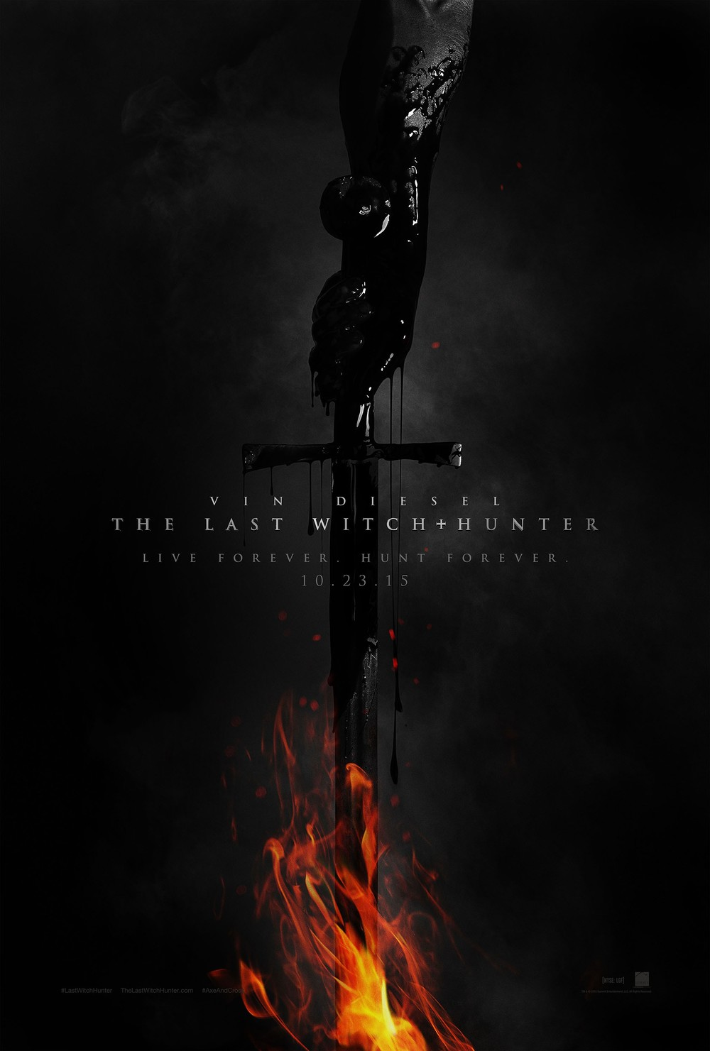 This poster hints at a far better movie than what it actually seems to be based on the terrible reviews and worse trailers. The design is striking and badass-looking.