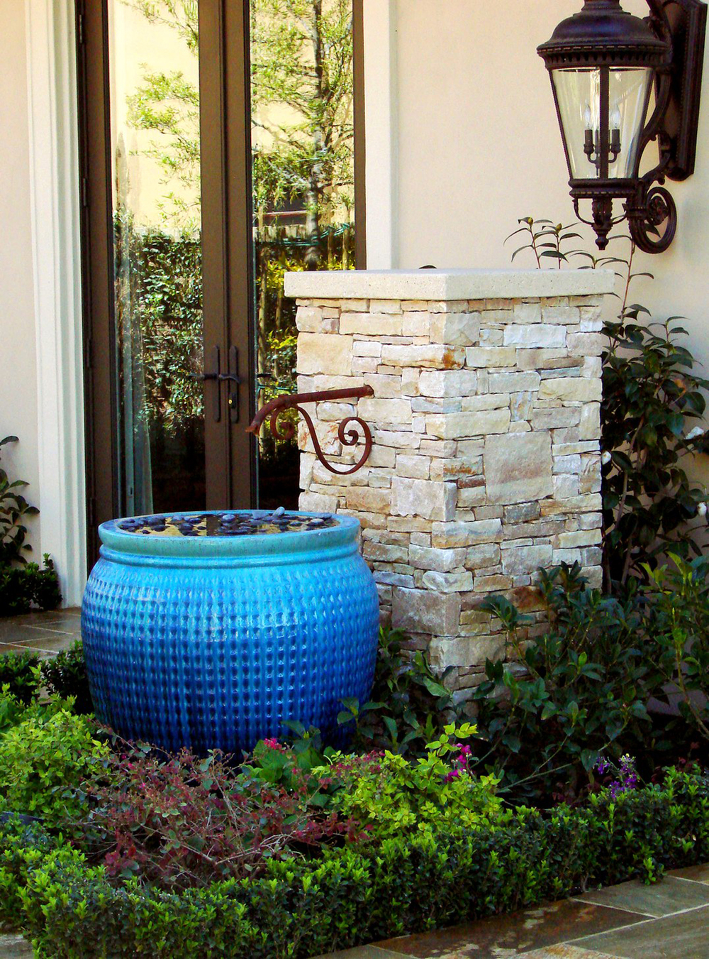 Beautiful Jacobson Residence   Dining Patio Fountain