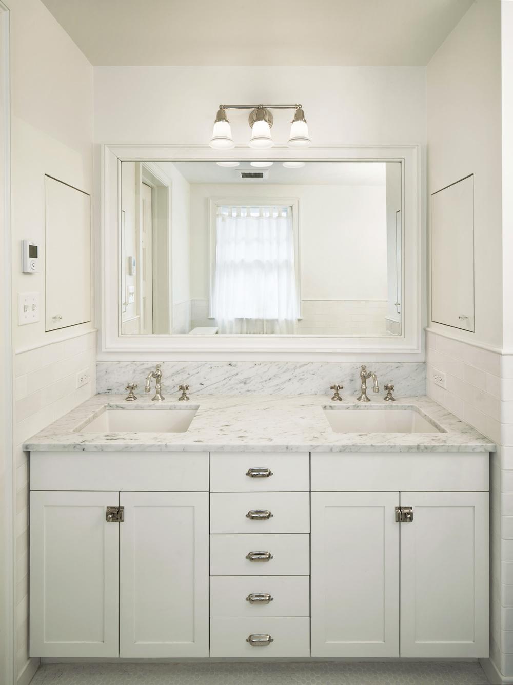 200_Fenimore_Bathroom_3_014.jpg
