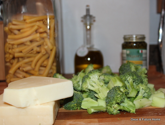 WFD: Stovetop Pesto Mac n' Cheese with Broccoli — Once & Future Home