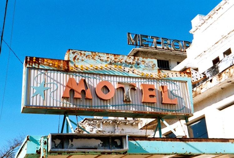 Metropolitan Motel Sign.jpg