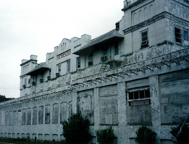 Metropolitan Exterior 5a.jpg