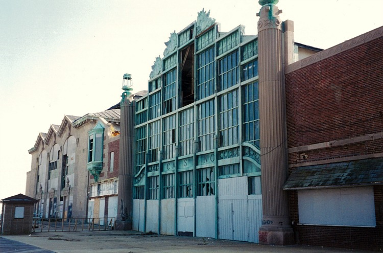 Casino Exterior l.jpg