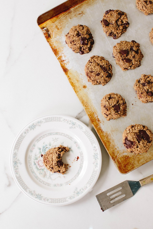 jennahazelphotography-oatmeal-ginger-chocoalte-chip-cookies-6718.jpg