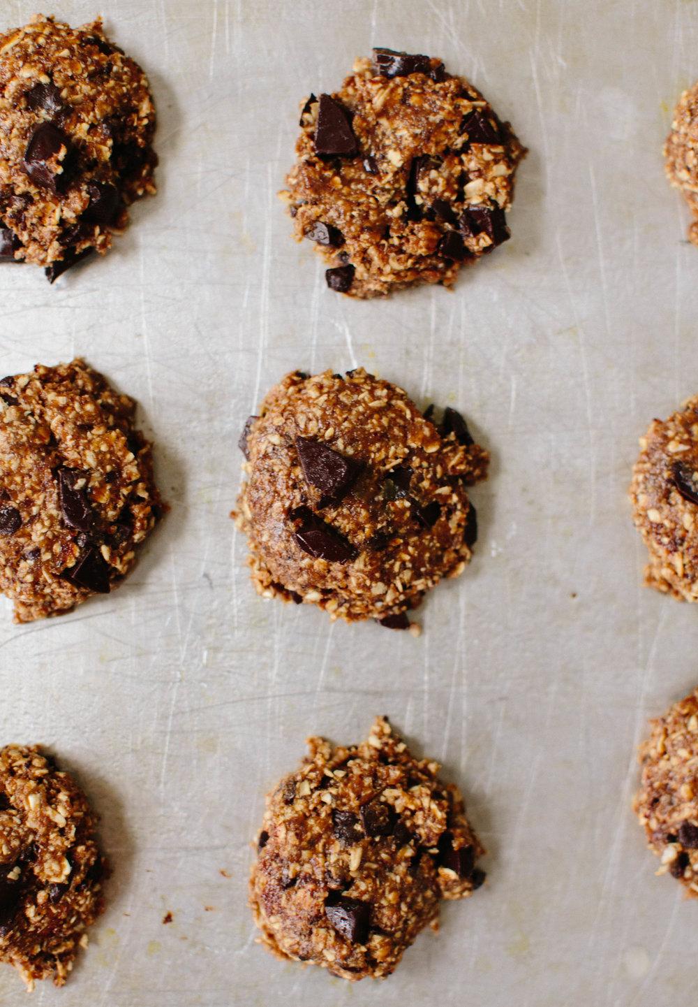 jennahazelphotography-oatmeal-ginger-chocoalte-chip-cookies-6706.jpg