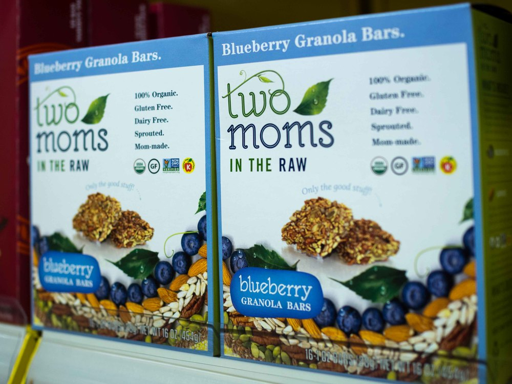 Two Mom's Organic Blueberry Granola Bar