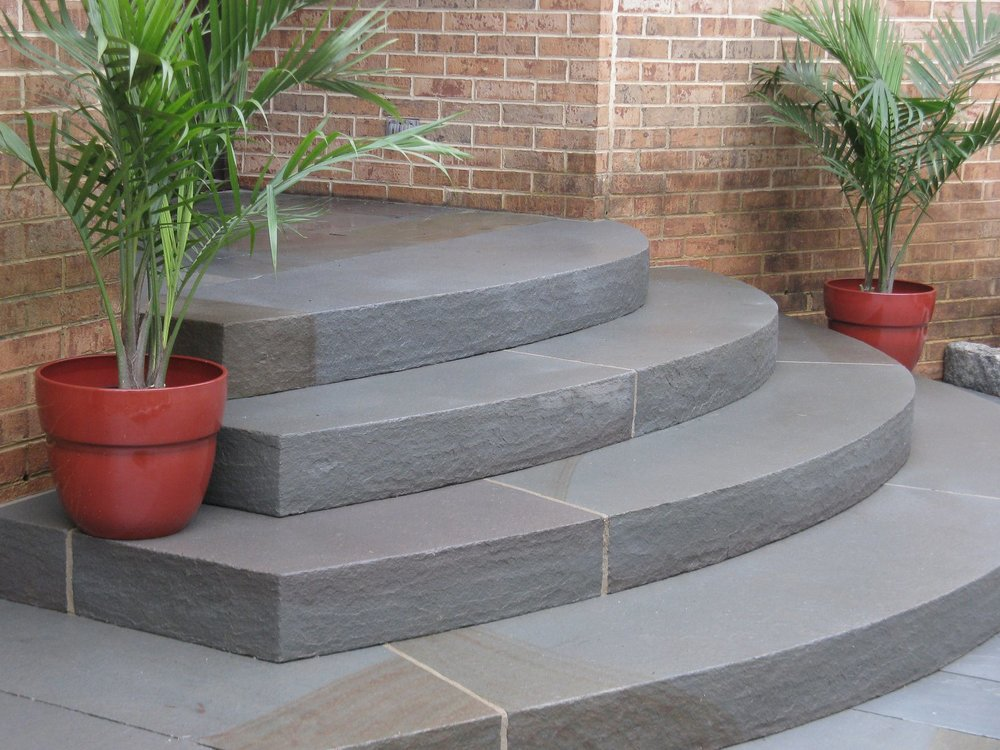 Circular bluestone steps, 13' wide and asymmetrical