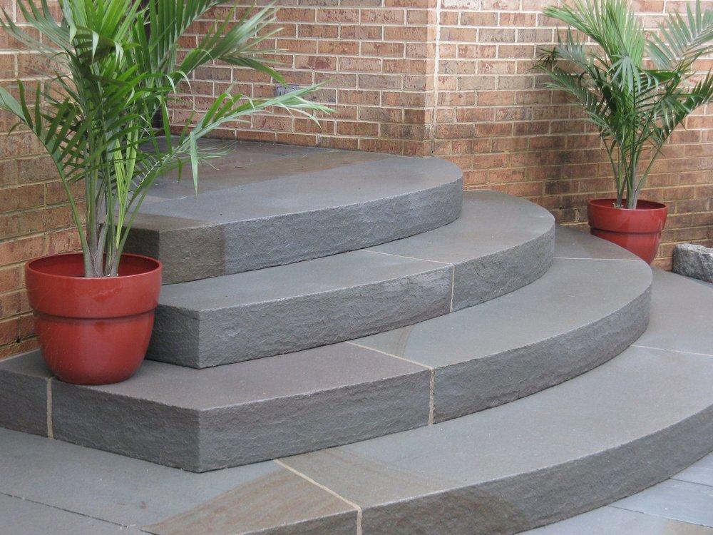 Circular bluestone steps, 13' wide and asymmetrical