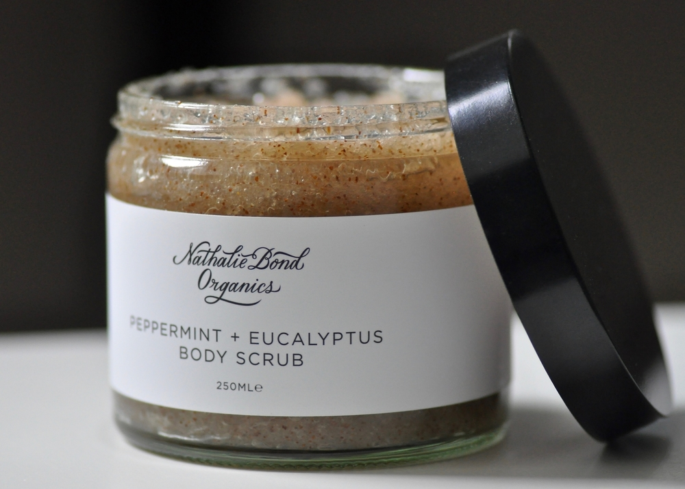 NATHALIE BOND: BODY SCRUB