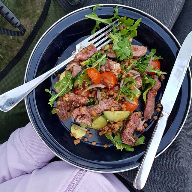First dinner for a week ahead of camping. Beef & lentil salad 🍅🌱⛺