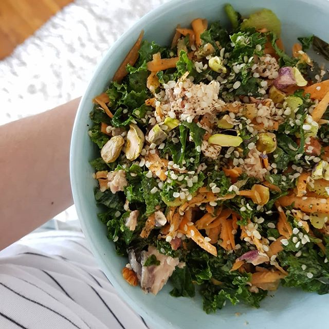 Salad lunching before this afternoon's appointments.  Kale + carrot + celery + basil + tinned salmon + pistachios + almonds + hemp seeds + seaweed + EVOO + apple cider vinegar  #salad #lunch #dietitian #nutrition #nutritionist #healthy #burgerstomorrowprobably