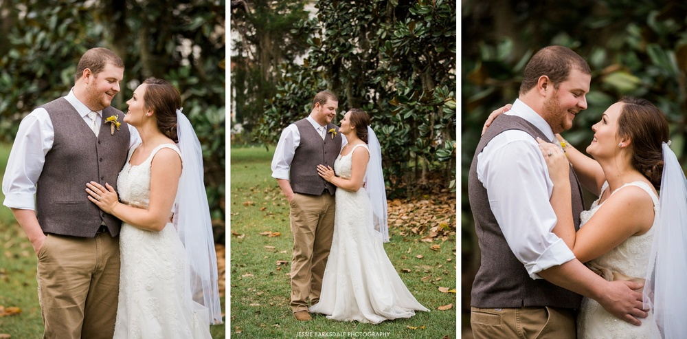 Jessie Barksdale_Elms Coosada_Plantation Home_Moss Mossy Magnolia Trees_Bride and Groom Kiss_Fall Wedding Inspiration_Birmingham Montgomery Alabama Atlanta Selma Wedding Photographer