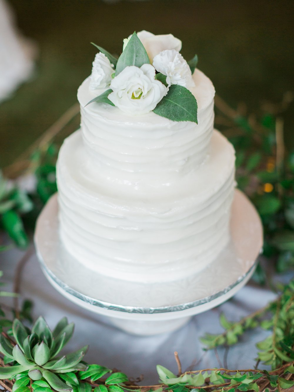 Jessie Barksdale Photography_alys beach _sweet henrietta's wedding cake