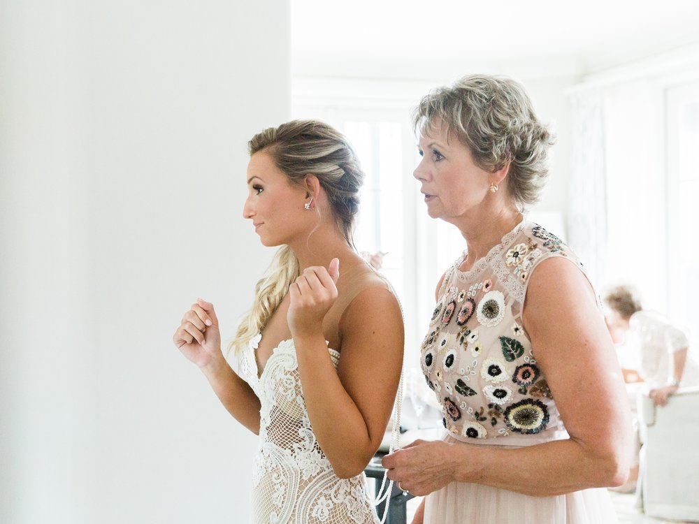 Jessie Barksdale Photography_bride mother getting ready wedding