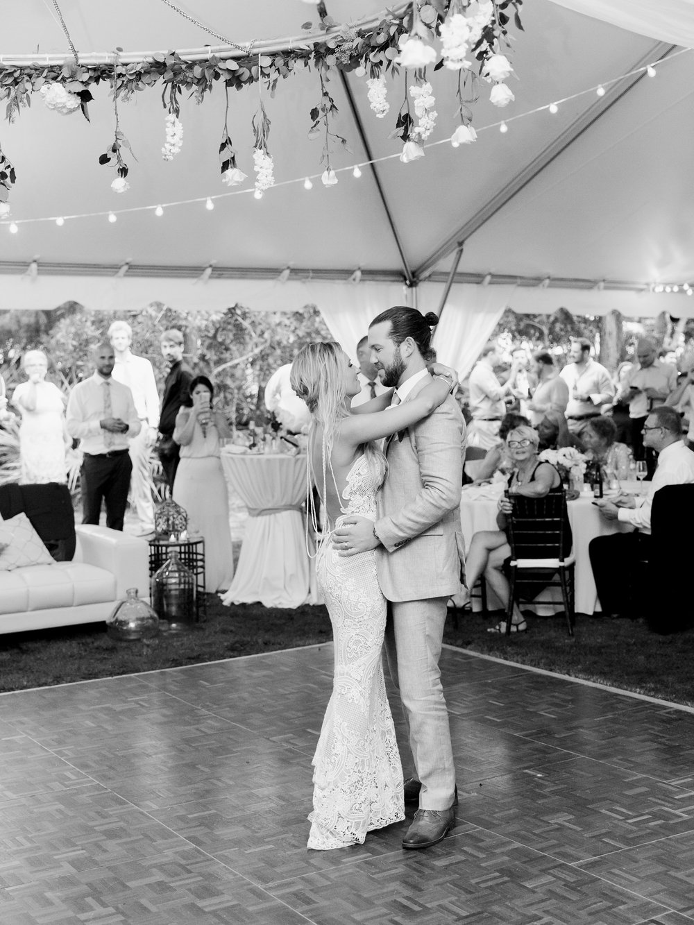 Jessie Barksdale Photography_alys beach wedding first dance