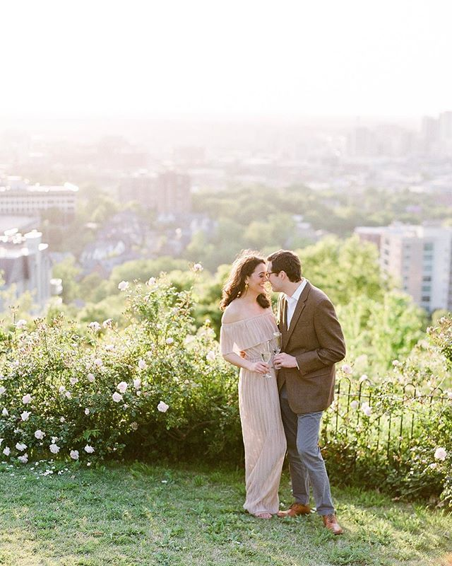 I was just coasting till we met, you remind me of just how good it can get. —vance joy . Warm summer days with the one you love, what could be better? I recently enjoyed watching the sun set over the city with Gina & Spencer from this incredible spot. Looking forward to their wedding next year! . Film @fujifilm_profilm @richardphotolab