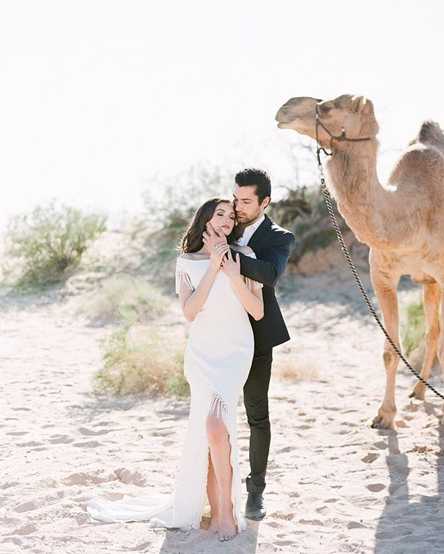 Such an honor to have this stunning desert editorial featured on @weddingsparrow today! This was one of my favorites to date. With a team including @jannabrowndesign and @nataliaissa, I knew this shoot was going to be amazing! ✨ . A gorgeous couple, breathtaking desert views, and sunset portraits at the edge of the canyon! You have to go check out the full post to see all the beauty from this one. Follow the link in my profile to see more. . Creative Direction, Styling & Florals @jannabrowndesign / HMUA @Nataliaissa / Calligraphy Paper @bohoink / Silk & Ribbon @silkandwillow / Dress @thedresstheory & @ruedeseinebridal / Models @shyllonmelatti & @ziagoddess /  Host @simonlyphotography / Suit @theblacktux / Shoes @bellabelleshoes / Ring box: @the_mrs_box #weddingsparrow #fineartcuration