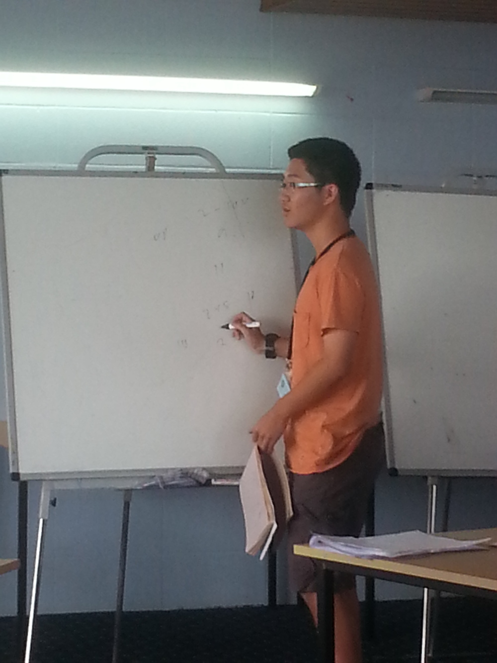 Hao Jia being brave enough to stand in front of people to show his solution
