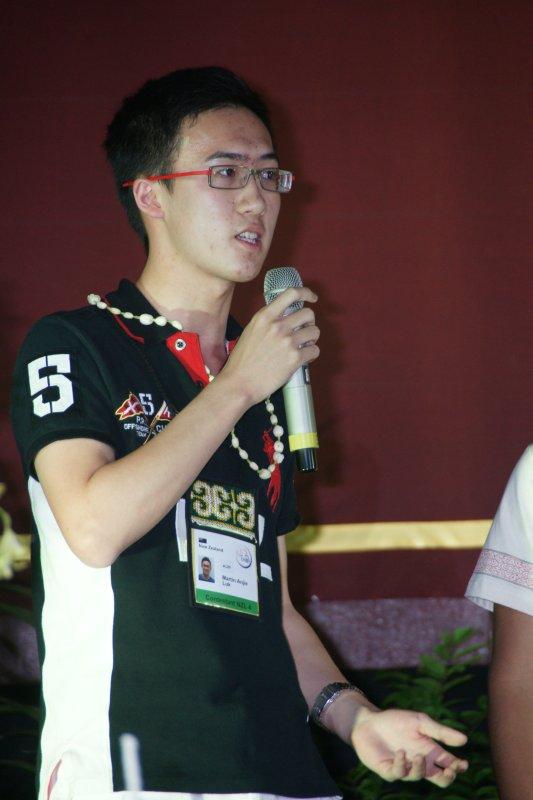 Martin Luk gives a thank you speech at the farewell banquet