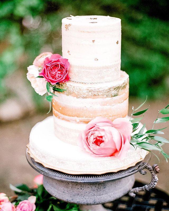 Who doesn't love cake? ⠀⠀⠀⠀⠀⠀⠀⠀⠀ #fineartwedding #fineartweddingphotographer #film #fuji400 #contax645 #destinationwedding #weddingphotographer #joemaldea  #dubaiweddingphotographer #abudhabiweddingphotographer #brideandgroom #dubaiwedding #abudhabiwedding #bride #groom #dubai #uae #weddingphoto #weddingdetails #weddingwire #wedding #weddingday #weddingcakes #cake  #realweddings #dubaiphotographer