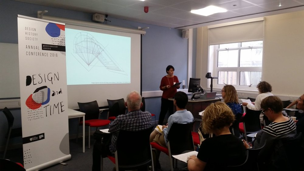 Presenting my paper at the  DHS conferenc  e  at Middlesex University.