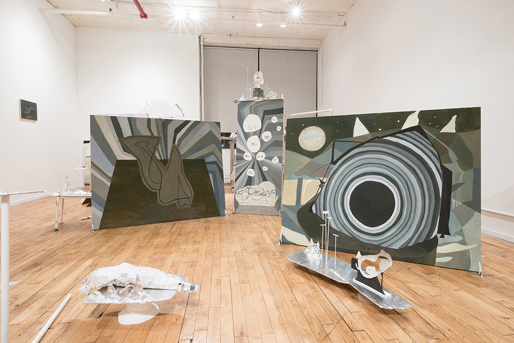 Sparkly Darkly , 2017 Installation view Black and White Gallery