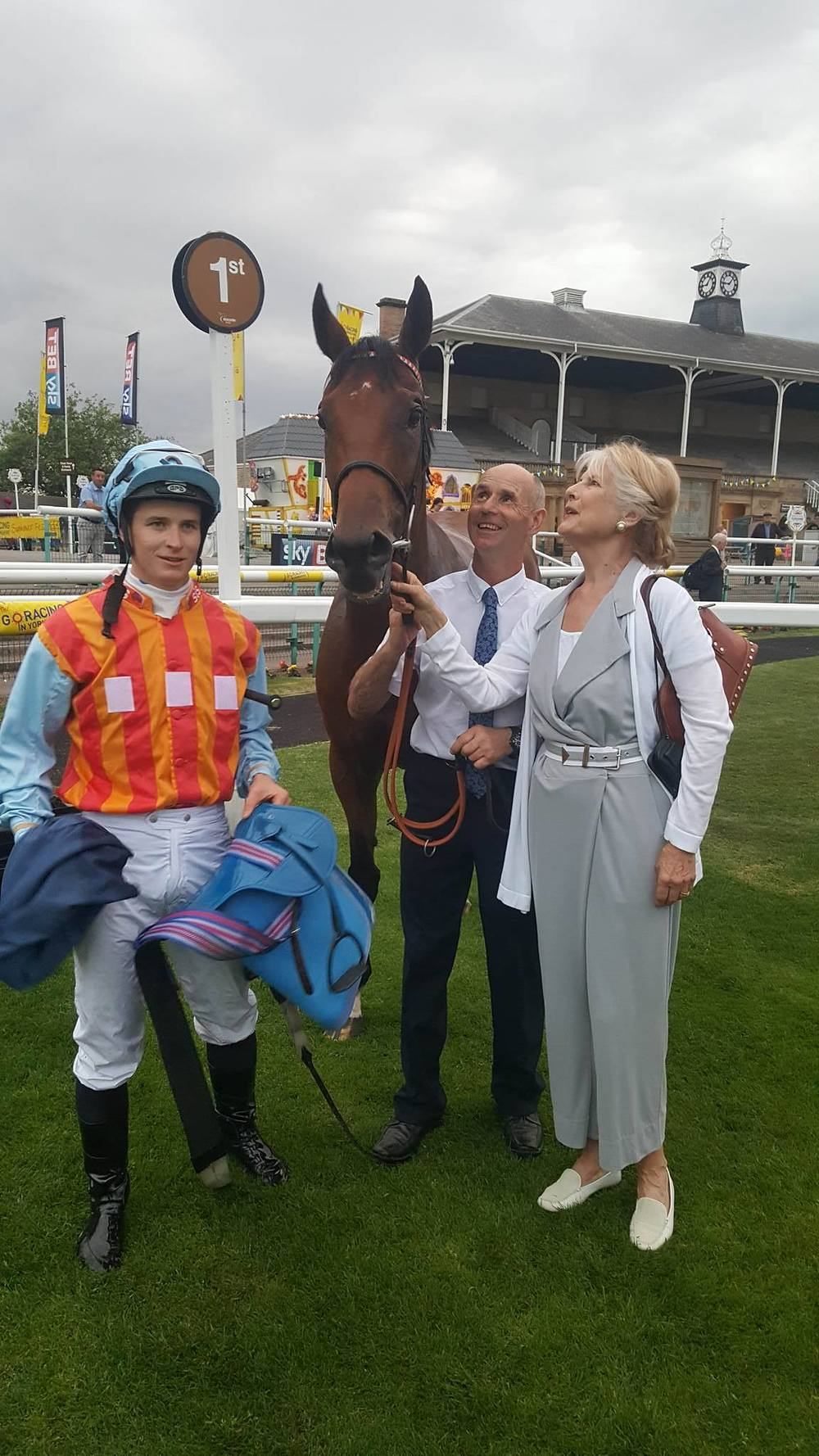 Brittleton in the winners enclosure at Doncaster after winning the EQUESTRIAN SURFACES LTD HANDICAP
