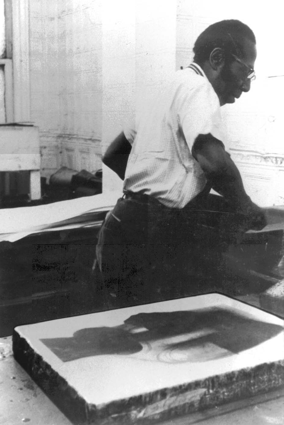 Bob Blackburn in the Printmaking Workshop
