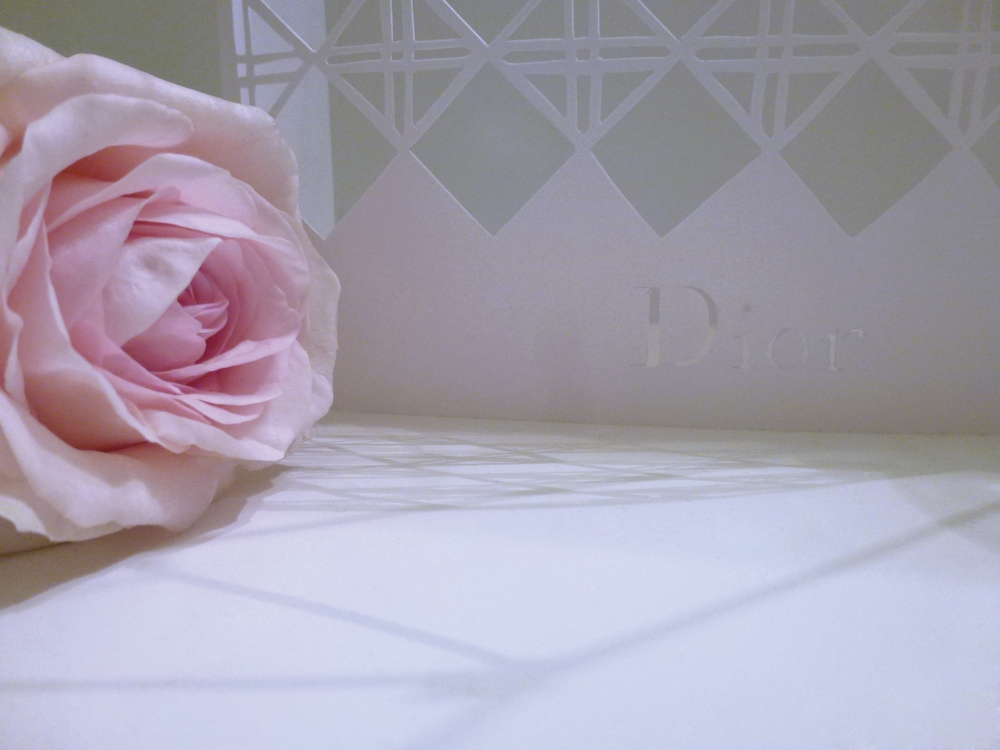 Dior_composition_florale_Zoom